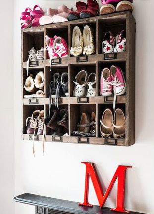 A_place_store_shoes_02
