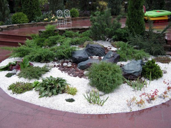 Alpine_hill_garden_03