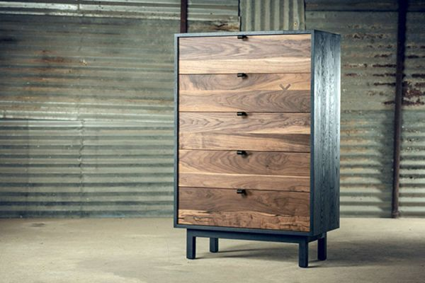 Wooden_chest_drawers_01