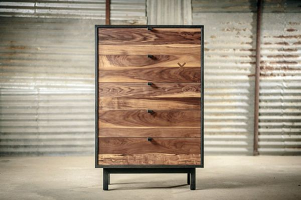 Wooden_chest_drawers_02
