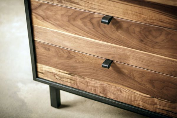 Wooden_chest_drawers_04