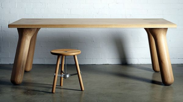 Wooden_dining_table_01
