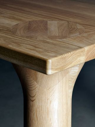 Wooden_dining_table_04