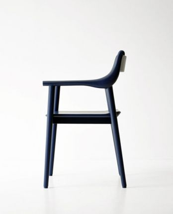 Wooden_chair_06