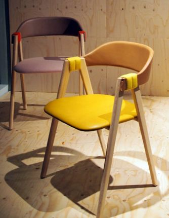Wooden_chair_03